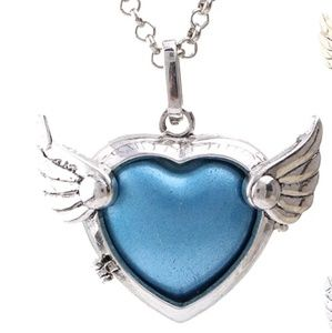 Jewelry - Heart wing angel caller necklace
